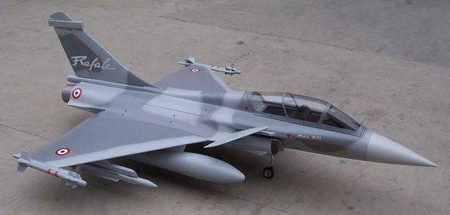avion de chasse radiocommandé