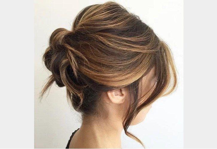 coiffure femme chignon cheveux mi long